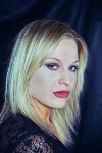 Heidi Burt-01r-BA