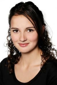 Monique Holtzhauzen -01r-BAw